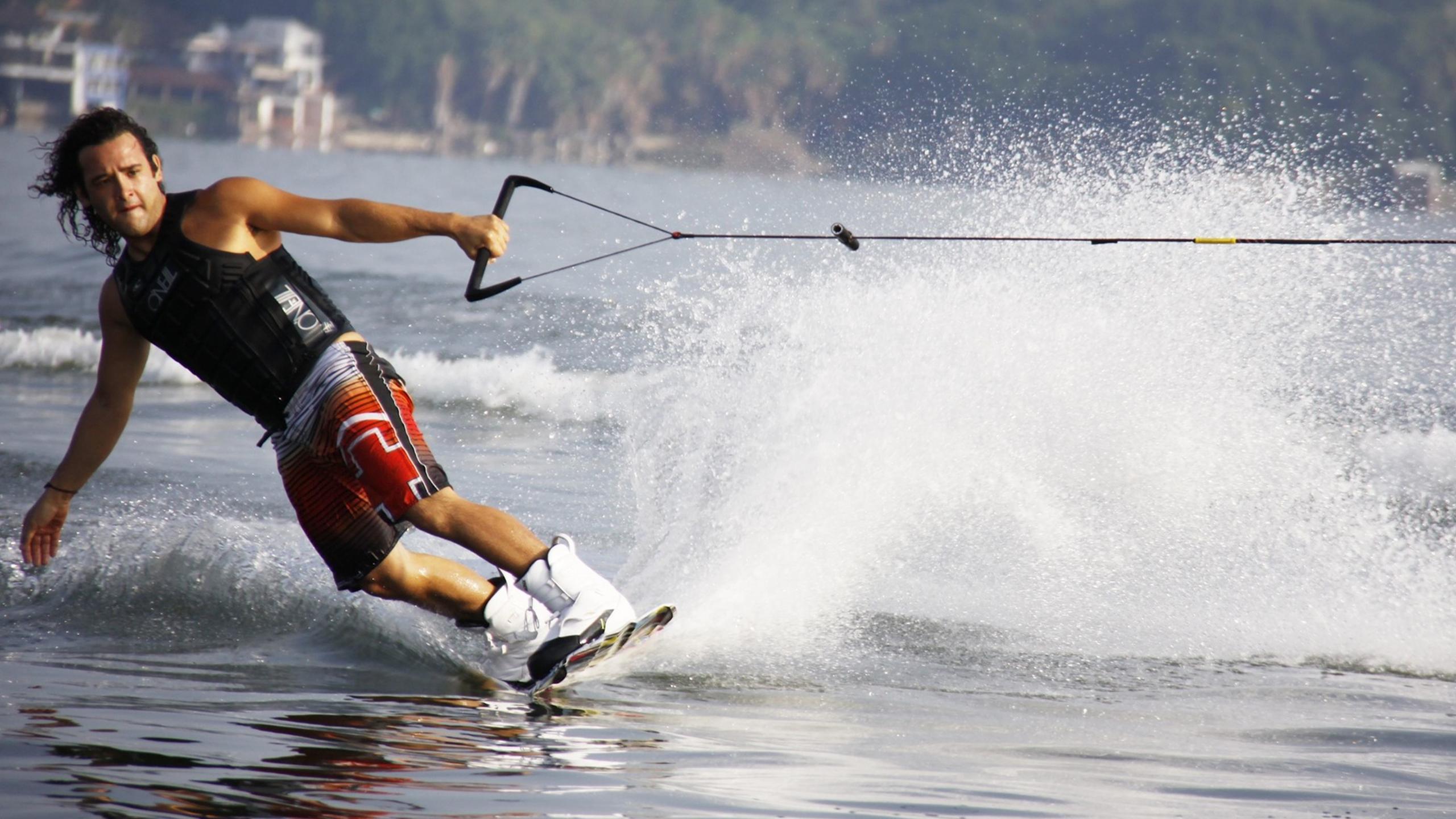 mexico-lake-man-wakeboard-46537